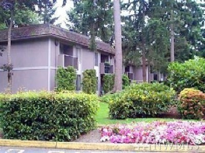 Federal Way Condo/Townhouse For Sale: 4601 SW 320th St #k4