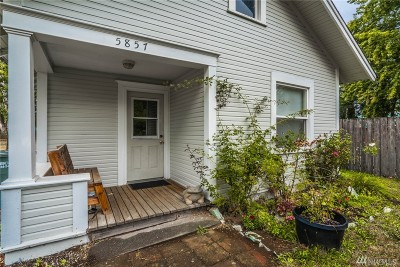 Ferndale Single Family Home For Sale: 5857 Cedar St