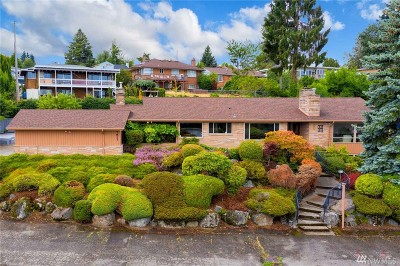 Seattle Single Family Home For Sale: 7817 S Sunnycrest Rd