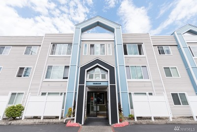 Tacoma Condo/Townhouse For Sale: 25 N Broadway #303