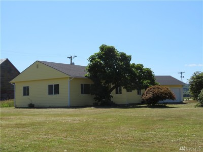 Single Family Home For Sale: 52 Arland Rd