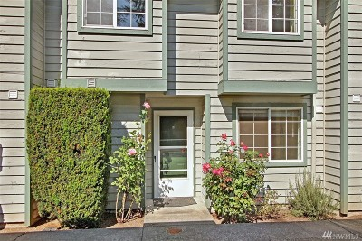 Mountlake Terrace Condo/Townhouse For Sale: 21305 50th Ave W #B2