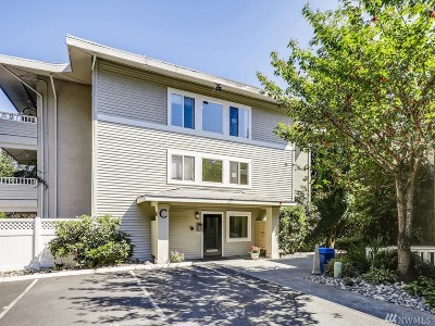 Bellevue Condo/Townhouse For Sale: 12631 NE 9th Place #C207