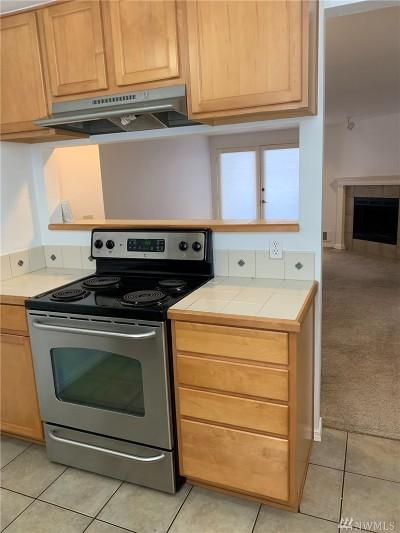 Shoreline Condo/Townhouse For Sale: 1150 N 198th St #E-105