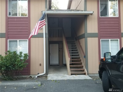 Tacoma Condo/Townhouse For Sale: 10214 13th Ave Ct E #B