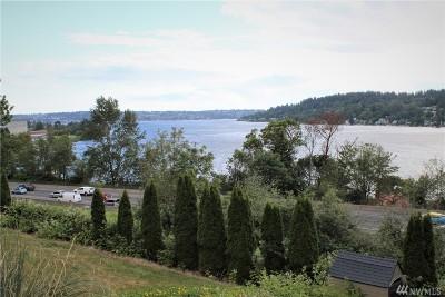 Newcastle Single Family Home For Sale: 6819 Lake Washington Blvd SE