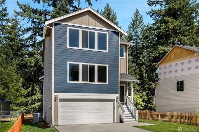 Tacoma Single Family Home For Sale: 15302 4th Av Ct E