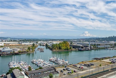 Tacoma Condo/Townhouse For Sale: 1120 Cliff Ave #202