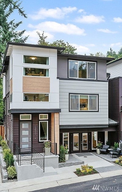 Newcastle Condo/Townhouse For Sale: 8204 136th Ave SE #17