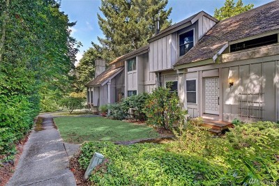 Kirkland Condo/Townhouse For Sale: 12302 NE 147th Ct