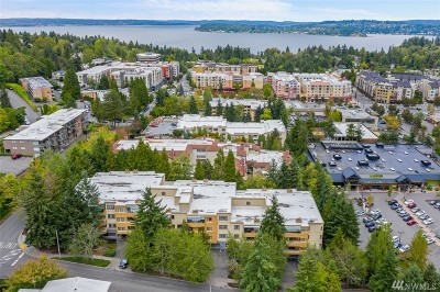 Mercer Island Condo/Townhouse For Sale: 7600 SE 29th St #308
