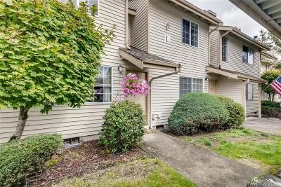 Everett Condo/Townhouse For Sale: 115 124th St SE #L1