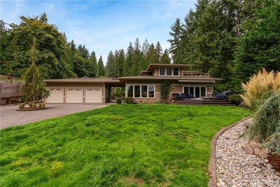 Bellevue Single Family Home For Sale: 4041 W Lake Sammamish Pkwy SE