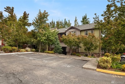 Redmond Condo/Townhouse For Sale: 15152 NE 82nd St #204