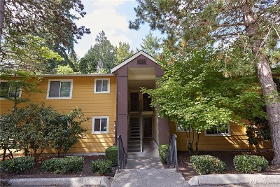 Kirkland Condo/Townhouse For Sale: 10018 NE 127th Place #B107