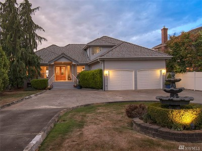 Mukilteo Single Family Home For Sale: 10526 Marine View Dr