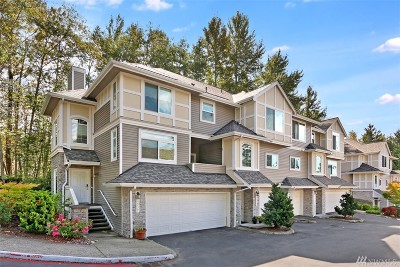 Bellevue Condo/Townhouse For Sale: 6535 SE Cougar Mountain Wy