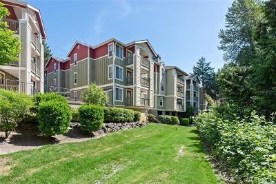Kenmore Condo/Townhouse For Sale: 7711 NE 175th St #E104