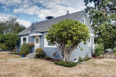 Snohomish County Single Family Home For Sale: 5401 Fairview Ave