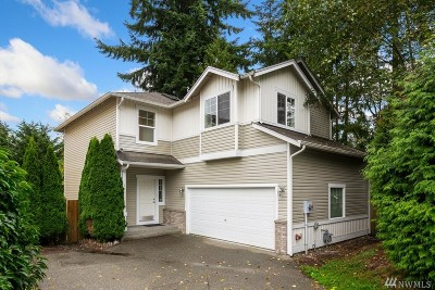 Lynnwood Single Family Home For Sale: 322 151st Place SE