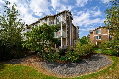 Everett Condo/Townhouse For Sale: 3309 132nd St SE #A304
