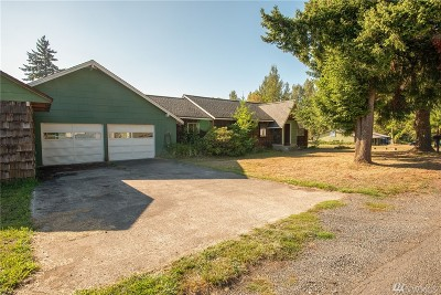 Toledo Single Family Home For Sale: 124 Lone Yew Rd