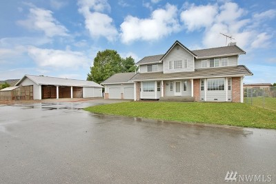 Orting Single Family Home For Sale: 1009 Old Pioneer Wy NW