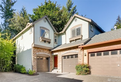 Redmond Condo/Townhouse For Sale: 10789 221st Lane NE #24