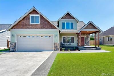 Everson Single Family Home For Sale: 822 Maple Ridge Dr