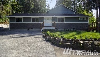 Lake Stevens Single Family Home For Sale: 105 E Lake Stevens Rd