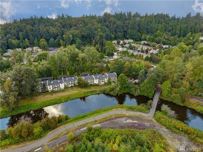Bothell Condo/Townhouse For Sale: 10822 E Riverside Dr #A201