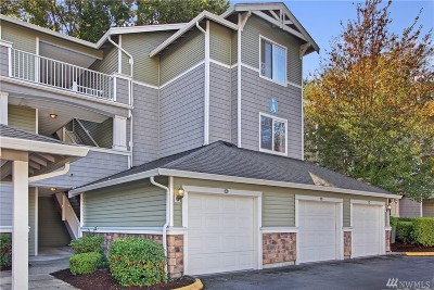 Everett Condo/Townhouse For Sale: 12712 Admiralty Wy #A204