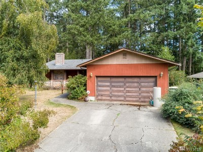 Olympia Single Family Home For Sale: 526 Titan Ct SE