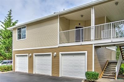 Auburn Condo/Townhouse For Sale: 5916 Lindsay Ave SE #E