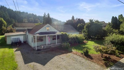 Pierce County Single Family Home For Sale: 4915 Parker Rd E
