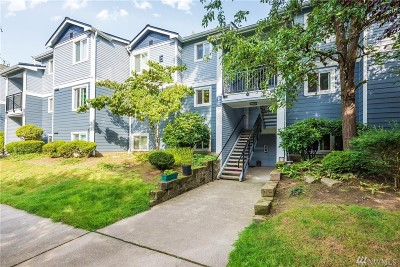 Issaquah Condo/Townhouse For Sale: 250 NW Dogwood St #E204