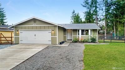 Bonney Lake Single Family Home For Sale: 13721 Cedar Cir E