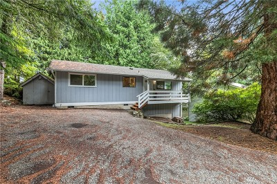 Bellingham Single Family Home For Sale: 8 Hawks Hill Place