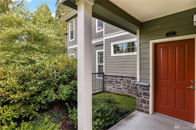 Sammamish Condo/Townhouse For Sale: 4313 Issaquah Pine Lake Rd SE #212