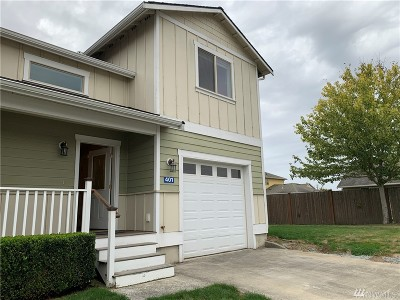 Burlington Single Family Home For Sale: 401 Harvest Edge Place