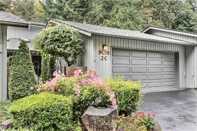 Gig Harbor Condo/Townhouse For Sale: 909 30th St NW #2-C