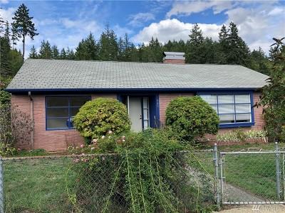 Shelton Single Family Home For Sale: 520 Laurel St