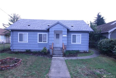 Pierce County Single Family Home For Sale: 8223 E Sherwood St
