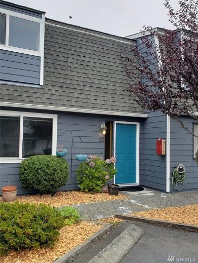 Everett Condo/Townhouse For Sale: 1421 W Casino Rd #A-21
