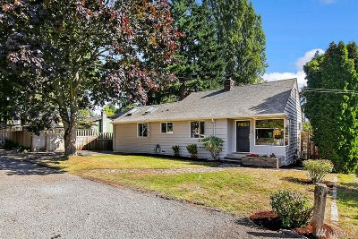 Seattle WA Single Family Home For Sale: $550,000