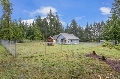 Single Family Home For Sale: 18344 Kippola Lane NW