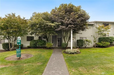 Everett Condo/Townhouse For Sale: 921 130th St SW #J204