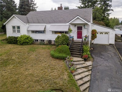 Single Family Home For Sale: 3208 S 148th St