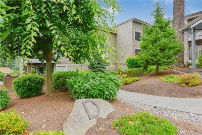 Snohomish County Condo/Townhouse For Sale: 22910 90th Ave W #D403
