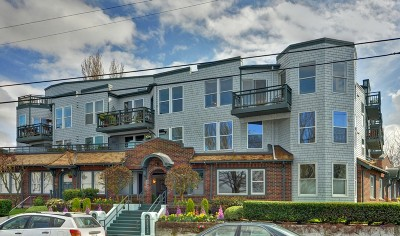 Condo/Townhouse SOLD: 2920 Alki Ave SW #411